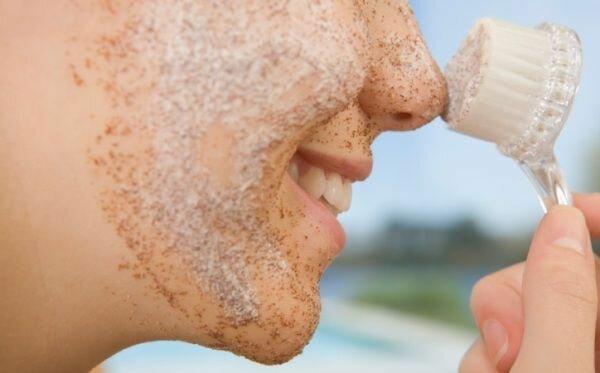 Отшелушивающие маски для лица - ключ к молодой и гладкой коже.