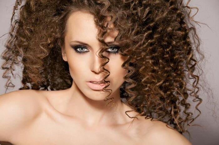 Завивка волос на крупные локоны на длительное время