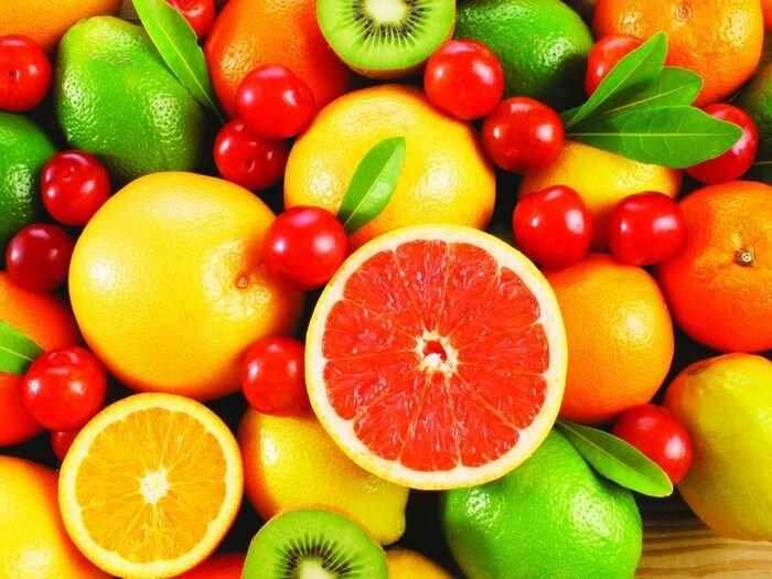белок яйца и фрукты