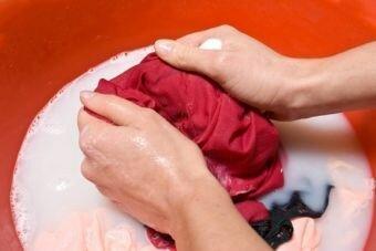 Как вывести краску для волос с одежды - советы профессионалов.